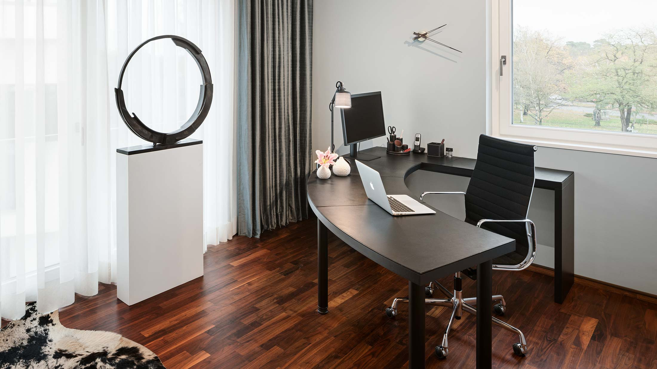 Penthouse Fünf Morgen: Home-Office Arbeitsplatz